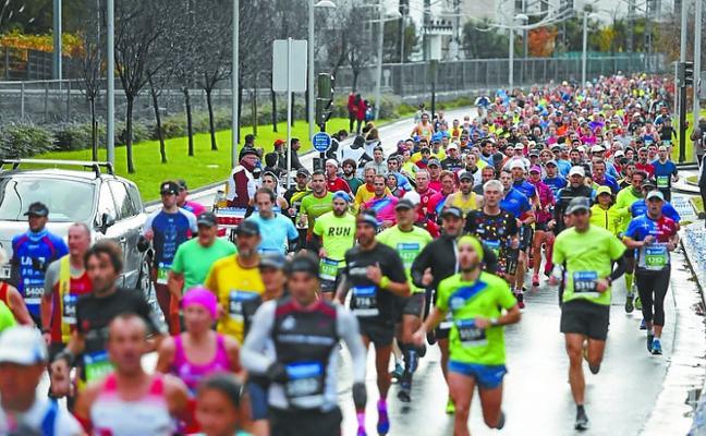 Nueve zarauztarras completaron el maratón de Donostia