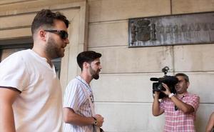 La Audiencia de Navarra retrasa su decisión sobre el ingreso en prisión de 'La Manada'