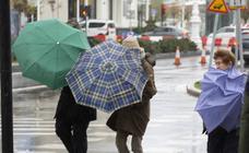 La lluvia, el viento y el fuerte oleaje no dan tregua