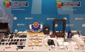 Desarticulan un grupo criminal dedicado a la distribución de cocaína en Donostialdea