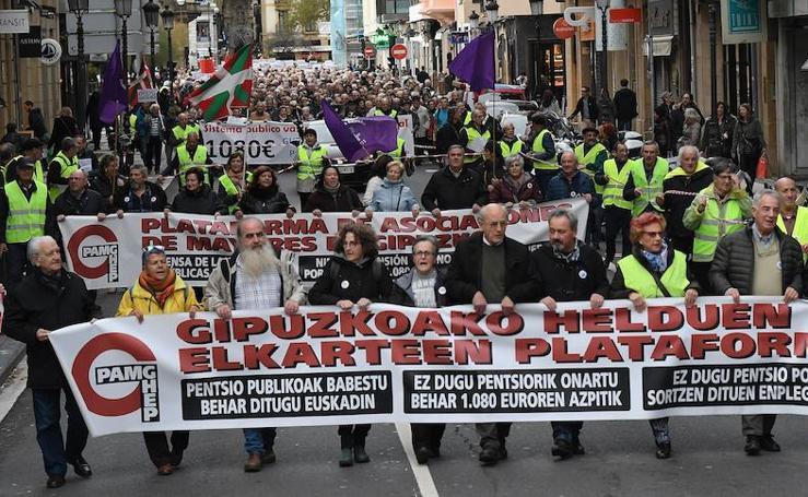 Manifestación de pensionistas y jubilados en San Sebastián