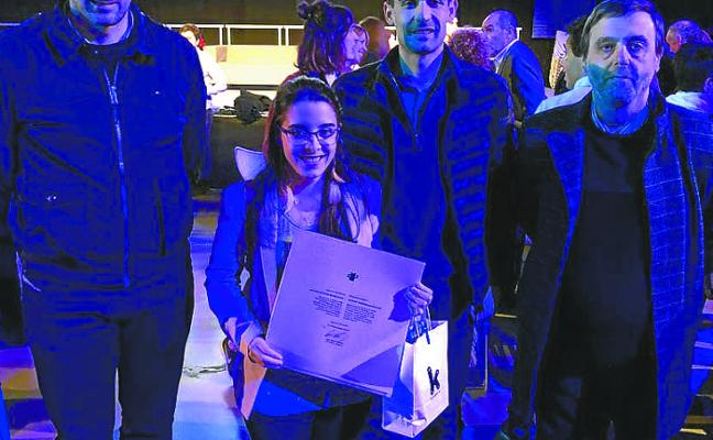 Naiara Santos, de Salesianos Urnieta, premio fin de estudios de Kutxa