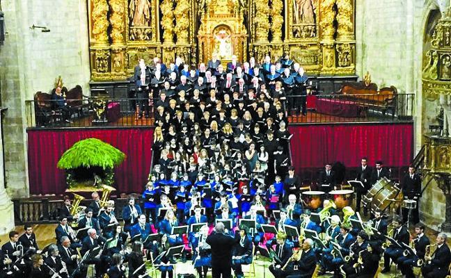 La parroquia de San Miguel acoge hoy el concierto solidario de Navidad