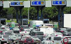 Más de 82.300 vehículos atravesarán el peaje de Irun en la operación salida de Navidad