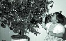 1958: Esperen a que se acabe de instalar el árbol para criticarlo