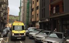 Herido un trabajador tras caer de un primer piso en Errenteria