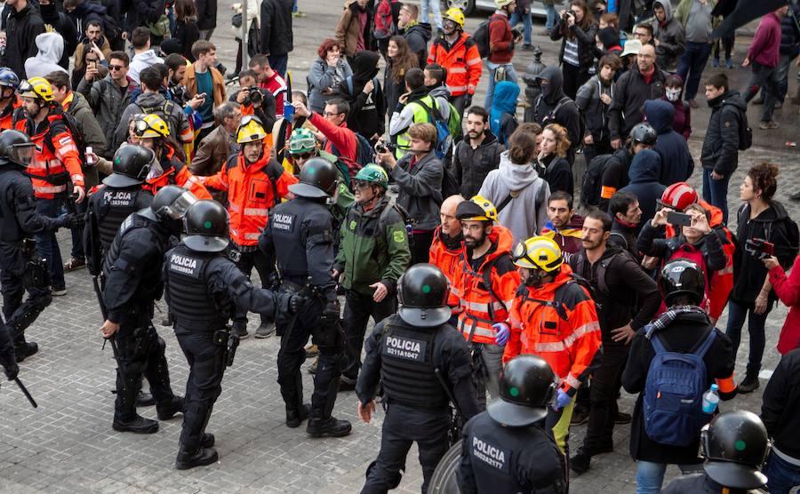 El conseller de Interior revisará la actuación del mosso que llamó «idiota» a un manifestante el 21-D