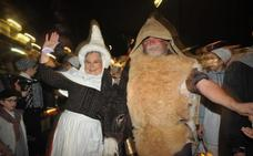 Andoain recibe a Olentzero y Mari Domingi