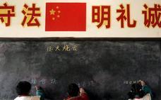 «Uniformes inteligentes» para vigilar el absentismo escolar