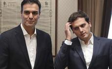 Rivera busca pactos con el PSOE para volver al centro