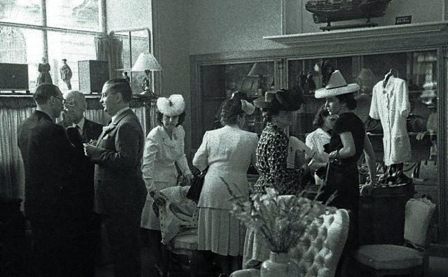 1964: Muchos comercios anunciaban su apertura el domingo