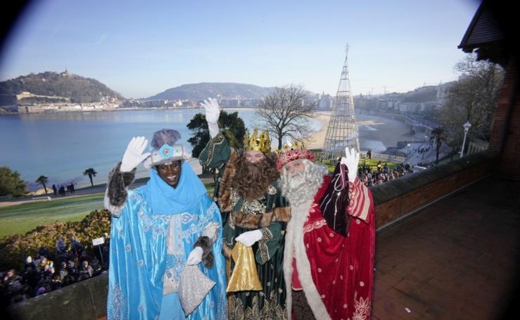 Los Reyes Magos visitan Donostia
