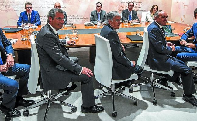 Los diputados generales aceleran los contactos para reformar el reparto de ingresos en Euskadi