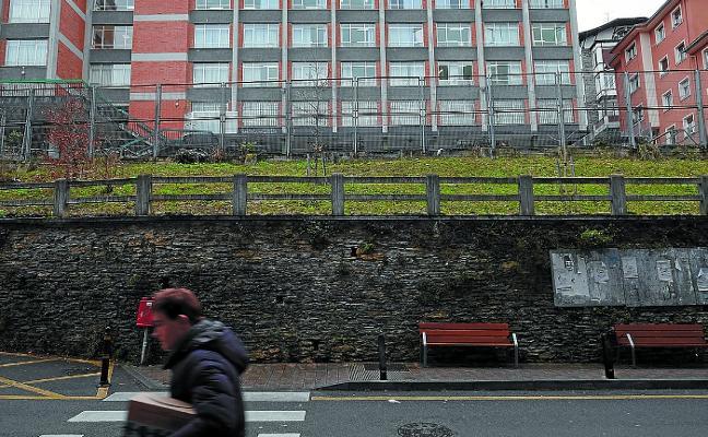 La falta de acuerdos con propietarios impide habilitar nuevos parkings