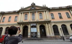 Regresan a la Academia Sueca los dos miembros que la dejaron por los escándalo