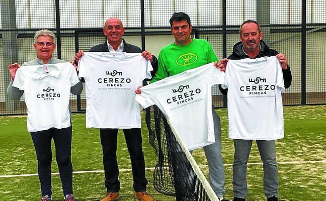 Fincas Cerezo seguirá patrocinando un año más al club local de pádel Padelo kirol kluba