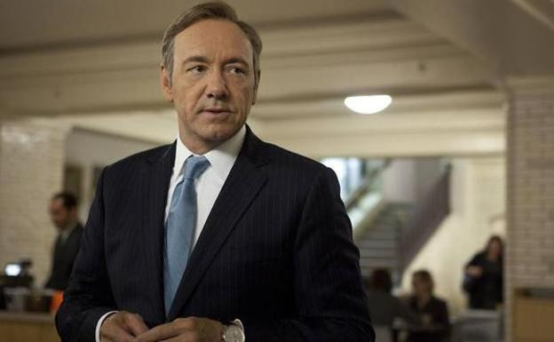 Kevin Spacey, en una escena de la serie 'House of Cards'. /ARCHIVO