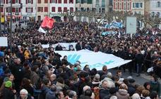 La marcha de Baiona critica el parón en el diálogo con París