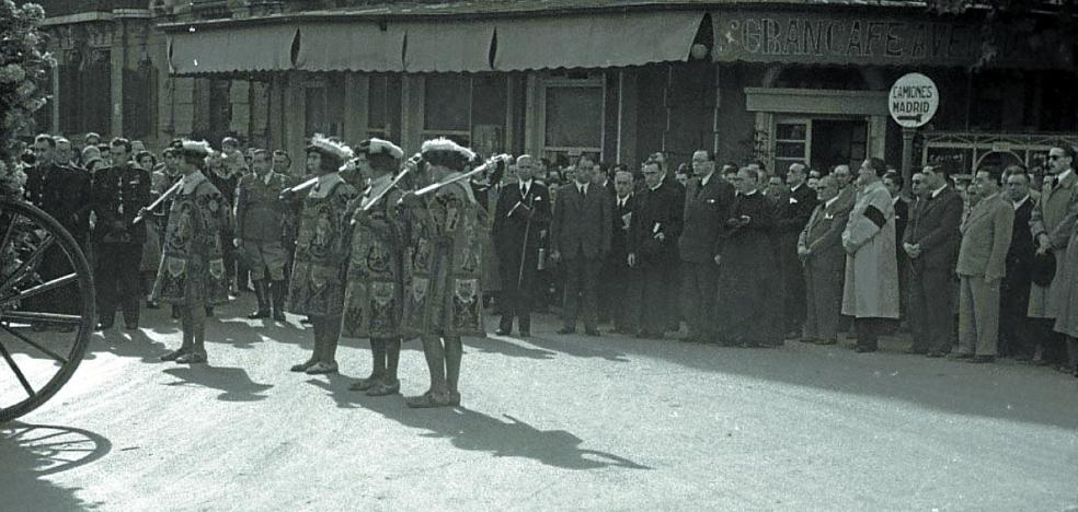 1944 | Se extiende «la costumbre aldeana de tomar caldo»
