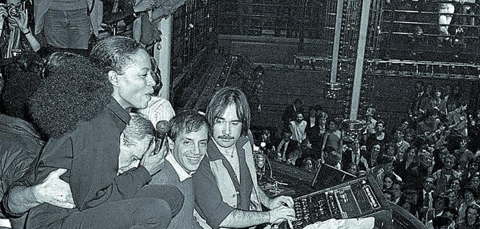 El hedonismo y la música 'disco' de 'Studio 54' cierran el Dock of the Bay