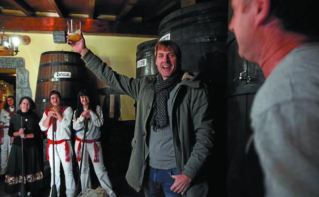 Julian Iantzi abre el Txotx en Lesaka