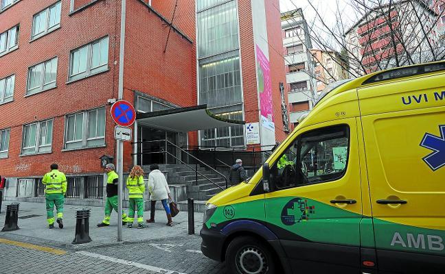 PSE y EH Bildu solicitan al Gobierno Vasco que «no cierre el PAC» de Urgencias de Toribio Etxebarria