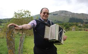 Iñaki Garmendia 'Laja' trikitilari azkoitiarra hil da 74 urterekin