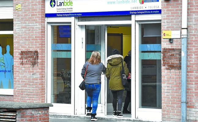 La tasa de desempleo de Tolosaldea baja casi un punto