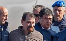 Italia pone fin a 40 años de huida del terrorista Cesare Battisti