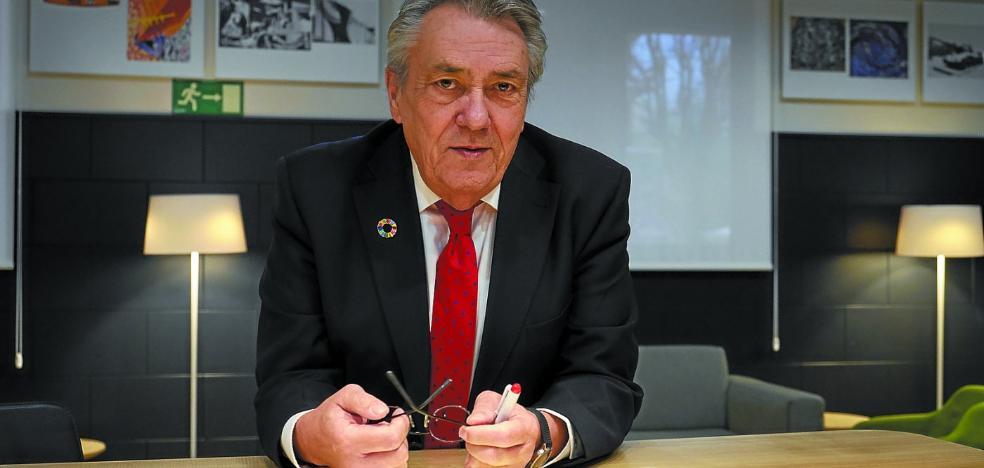 Manuel Escudero: «Los mensajes xenófobos son un tiro al pie porque la inmigración frenará el descenso poblacional»
