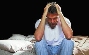 Dormir mal o menos de seis horas al día también aumenta el riesgo cardiovascular