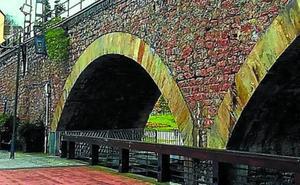 La rehabilitación de los arcos del Topo ya está en marcha