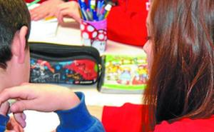 Cruz Roja activa un plan para ayudar a niños que precisan apoyo educativo