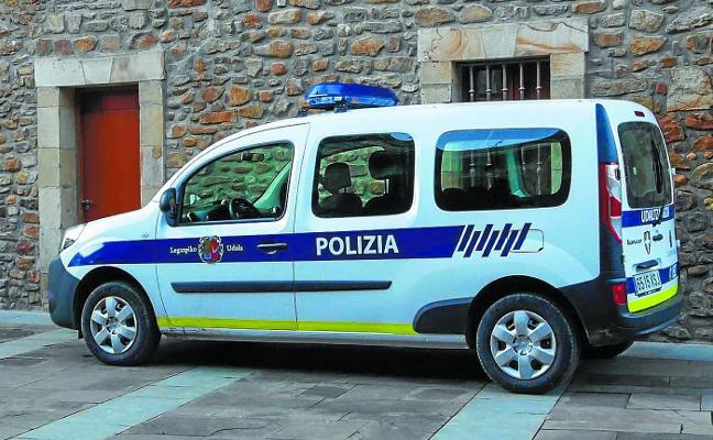 El Ayuntamiento adquiere un vehículo 100% eléctrico para la policía municipal