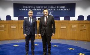 Urkullu alerta en Estrasburgo contra los populismos que «azuzan el miedo»