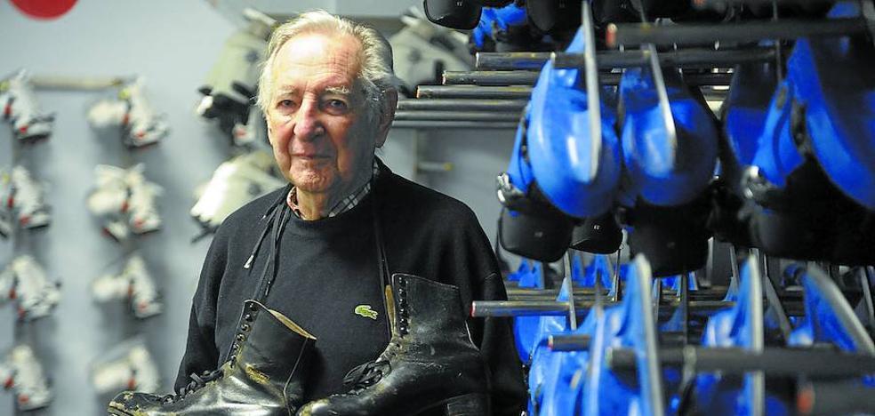 José Luis Gurrutxaga, 94 años sobre patines