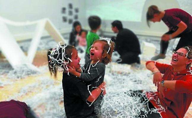 Más de 40 familias disfrutaron del taller experimental para bebés