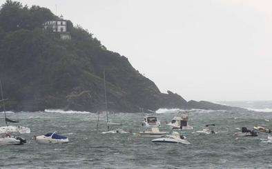 Alerta naranja para la navegación este domingo por olas de hasta 7 metros