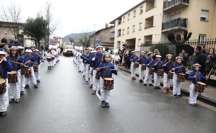 Tamborrada Infantil en Idiazabal por San Blas