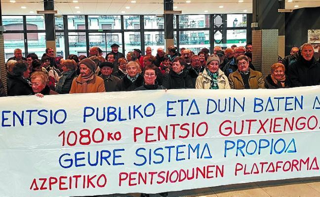 El movimiento de pensionistas de Bizkaia registra sus primeros abandonos