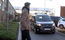 Ford prueba un sistema de iluminación para comunicarse con los peatones