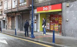 848 empleados de Dia en Euskadi, pendientes de su futuro