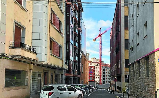 El PNV propone que los aparcamientos de Blas Etxebarria sean en batería
