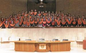 97 nuevos graduados en Deusto