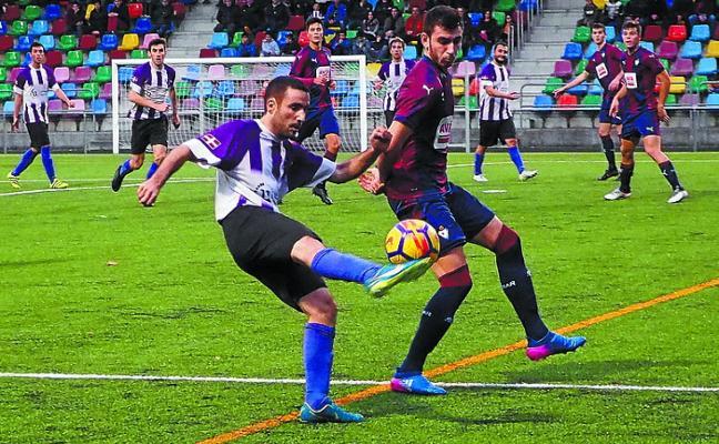 El Mondragón CF recupera las buenas sensaciones tras derrotar al Aretxabaleta