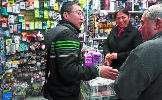 «Hay que limpiar la casa para recibir el nuevo año chino, da buena suerte»