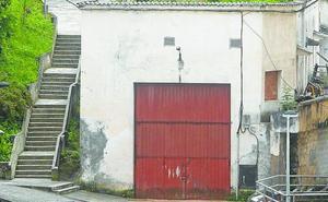 El antiguo pabellón de la conservera Dentici será derruido en los próximos días