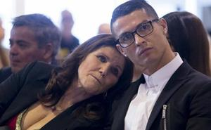 La madre de Ronaldo tiene cáncer otra vez