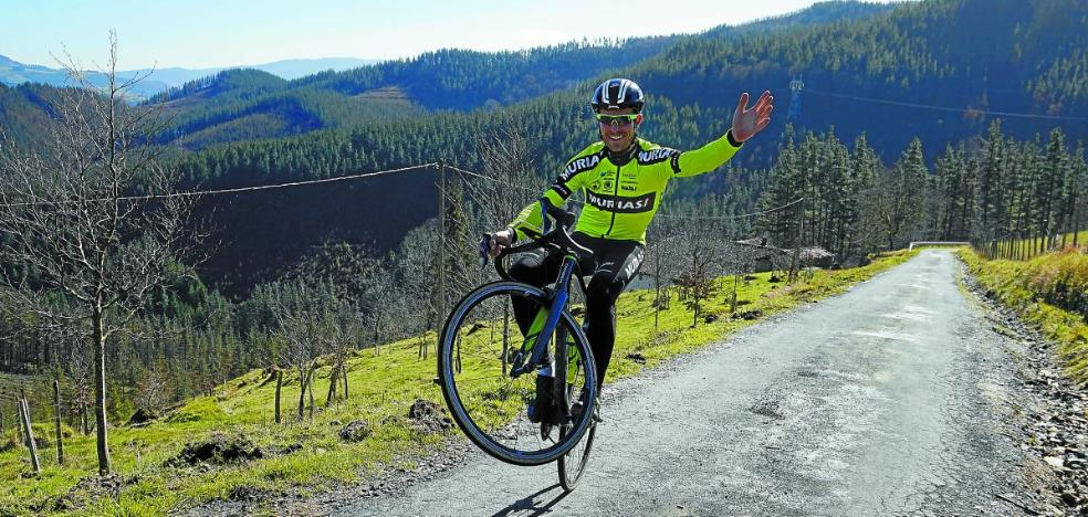 Mikel Aristi: «Quiero levantar los brazos, hay que buscar el día y ganar»
