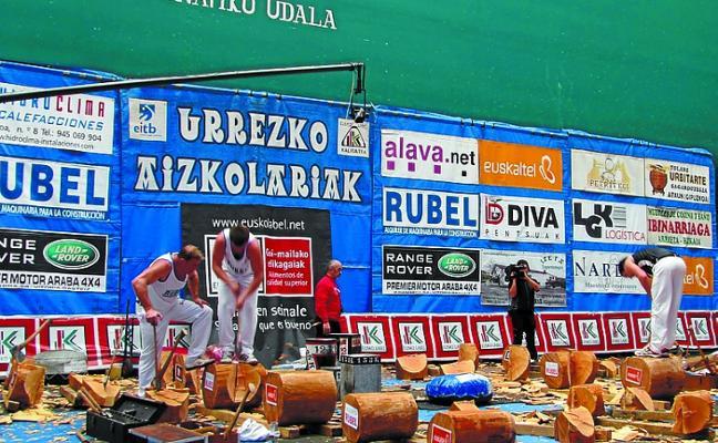 Los últimos pasaportes a la final de la 'Urrezko aizkora' se sellarán el domingo en la plaza